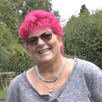 How Louise Discovered Walking Was a Natural Pain Reliever